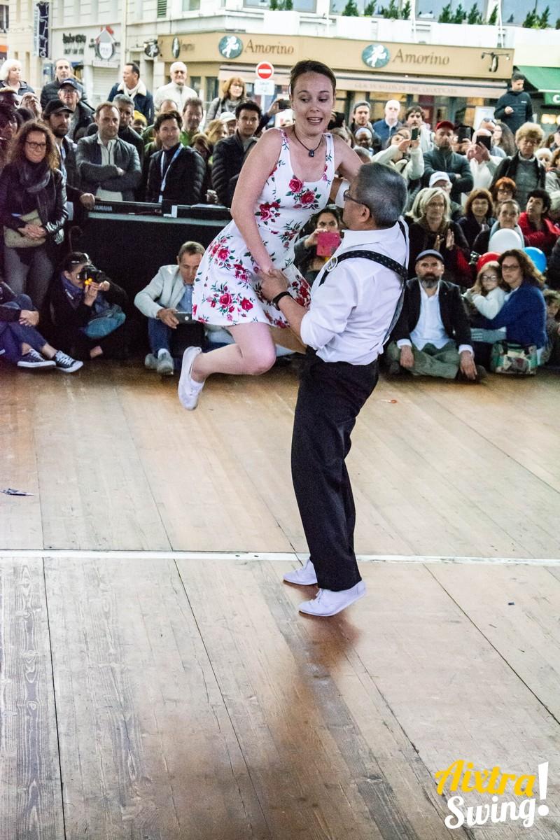 Assurance et danse Swing